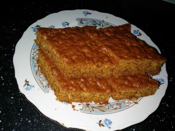 Лакомка, медово-ореховая коврижка. Рецепт