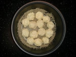 шоколадный-пирог-творожные-шарики-2