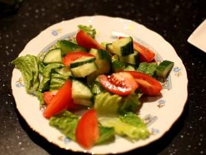 салат-с-проростками-овощи
