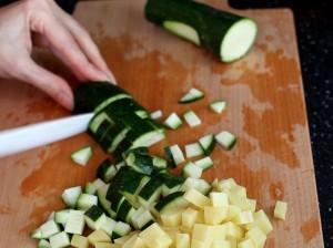 суп-минестроне-режем-овощи