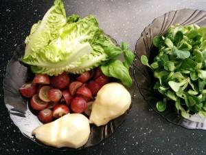 зеленый-коктейль-состав-шпинат-груша-виноград