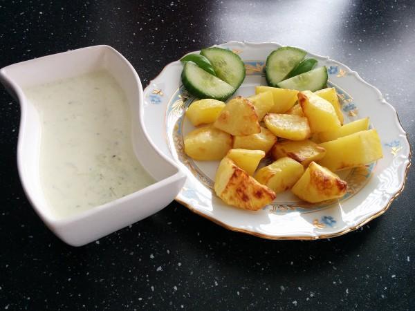 картофель-гриль-с-соусом