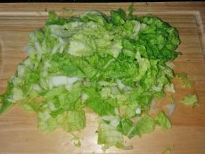 капустная-запеканка-режем-капусту